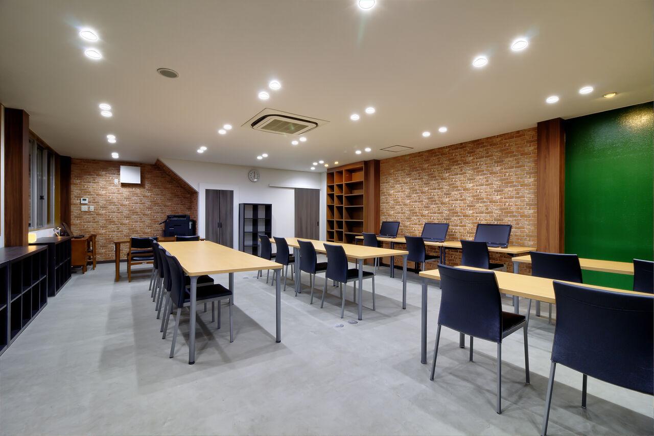 教養堂 KYOYODO きれいなオープンスペース