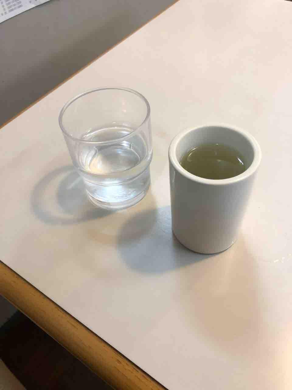 『やきそばとお好み焼 プラザ』昆布茶?梅昆布茶?