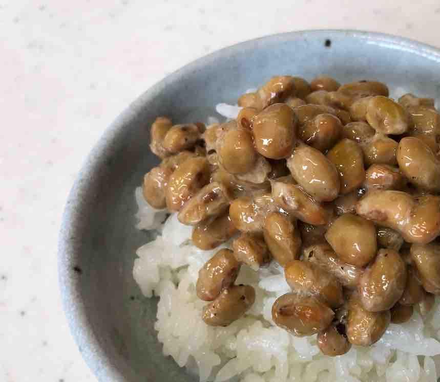 クラタペッパー黒胡椒納豆ごはん
