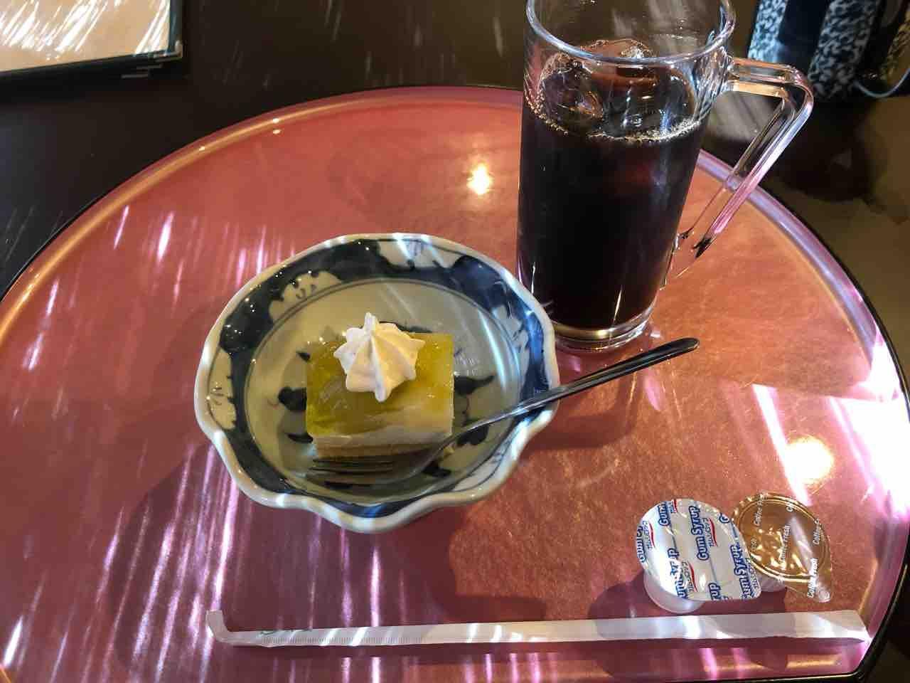 『日本料理 花野江』デザートとアイスコーヒー