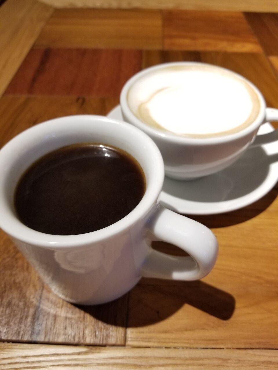 『コナズ珈琲 Kona's Coffee 江南店』ハワイコナ100%とカフェラテ