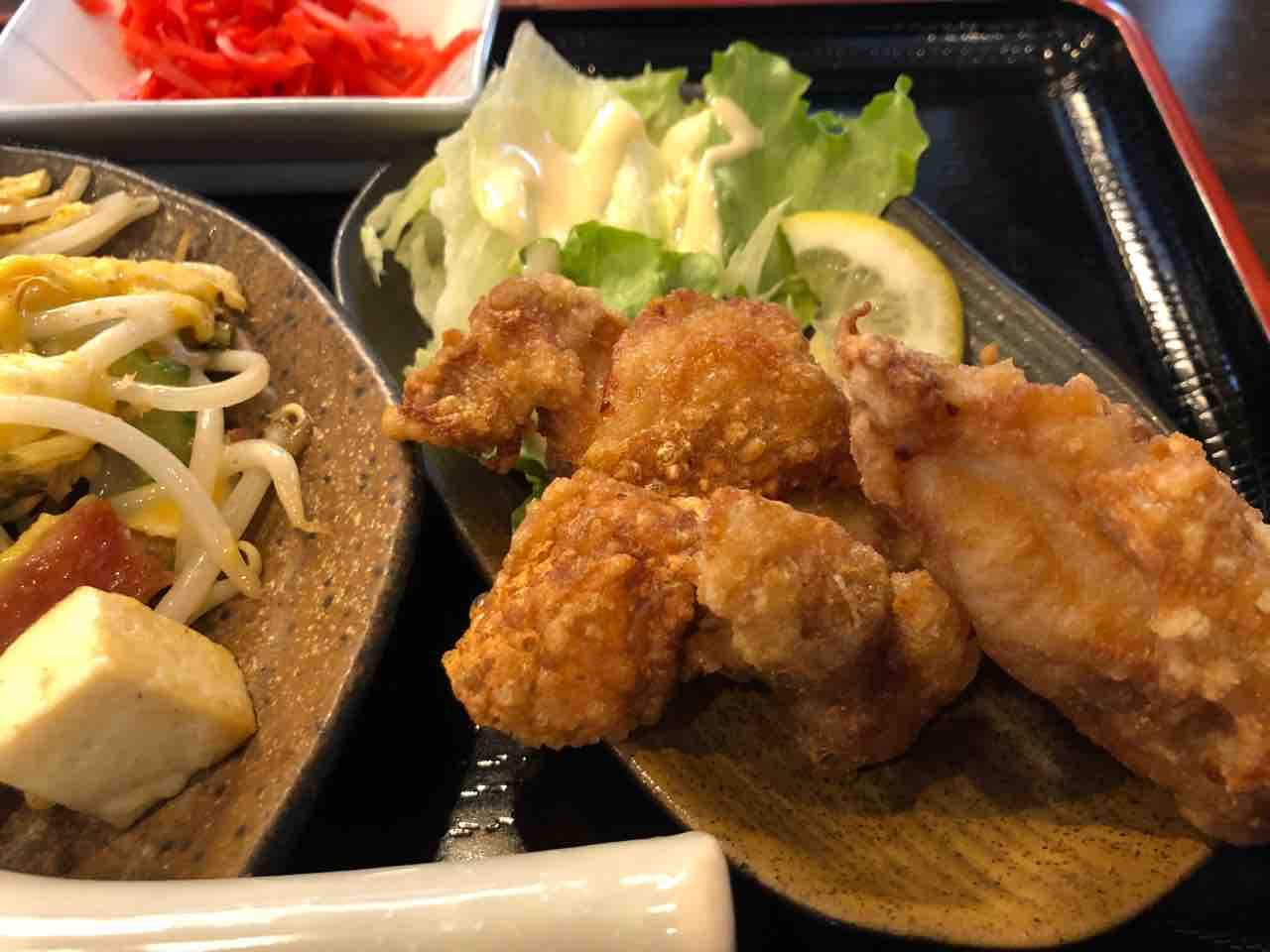 『ゆくり台所 残波 江南店』鶏の唐揚げ