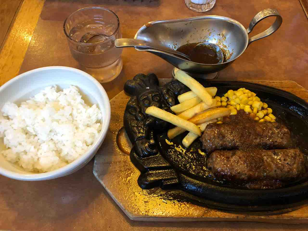 『ステーキ・ハンバーグのブロンコビリー江南扶桑店』190gのブロンコハンバーグと ごはん
