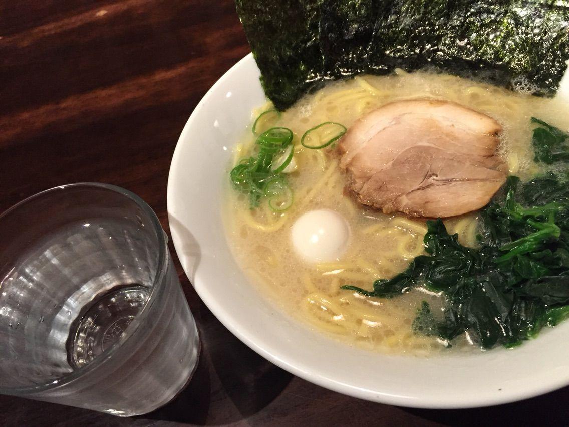 Café 来珈豆(ラコス)で「横浜ラーメン」食べられるようになったの知ってた!?4日間限定で、何とラーメン半額の370円だって!!!早速食べてきました♪