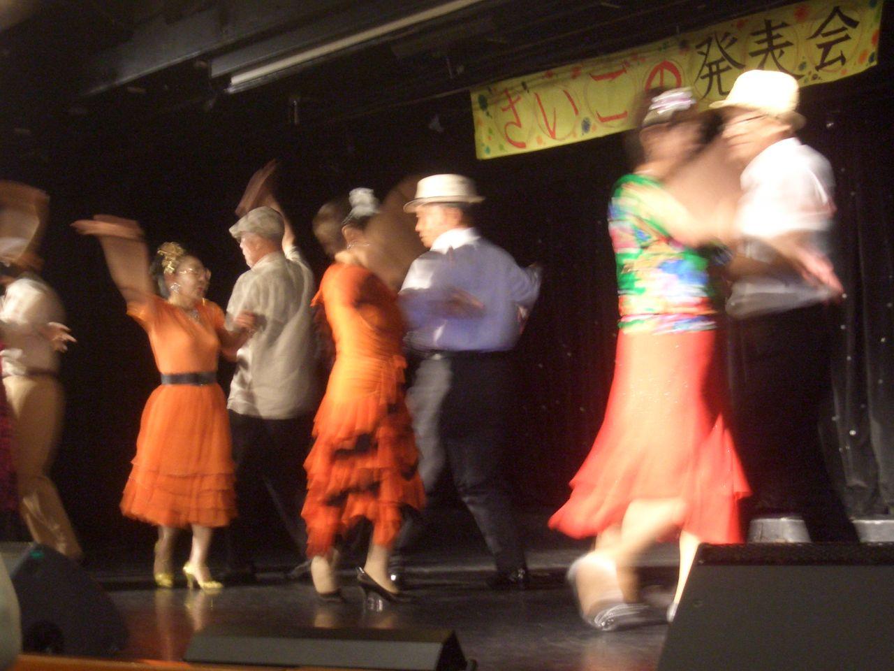 満が社交ダンスのレッスンを始めたのは、ピースボートによる地球一周の船旅で、であった=2012年8月。オーシャン・ドリーム号船上にて 撮影・たかのぶ